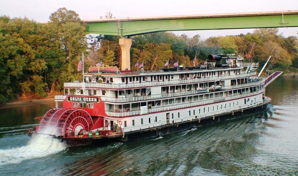 Cumberland river paddleboat